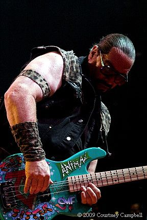 photo-mark-mendoza-animal-bassist-twisted-sister-_16
