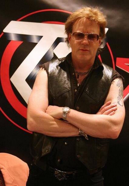 photo-jay-jay-french-guitarist-twisted-sister-_9