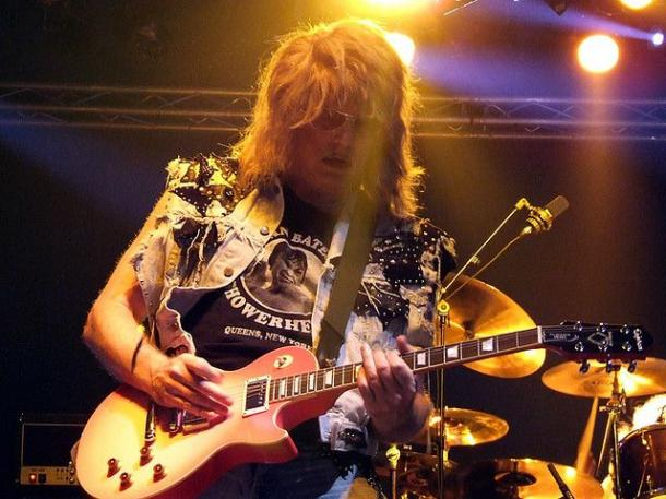 photo-jay-jay-french-guitarist-twisted-sister-_41