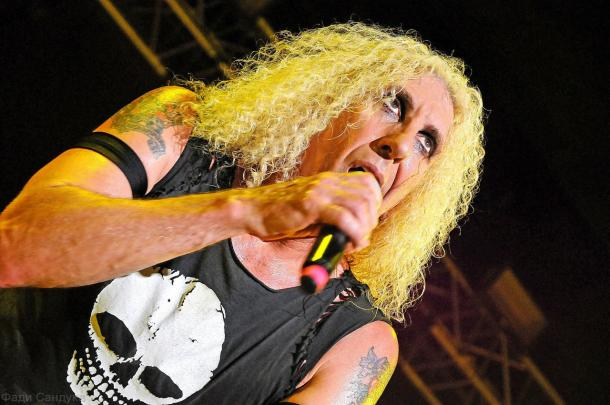 photo-twisted-sister-arena-dee-snider-rock-moscow-2012
