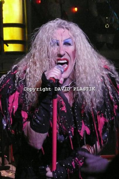 twisted-sister-live-twisted-christmas-photo--_13