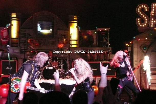 twisted-sister-live-twisted-christmas-photo--_47