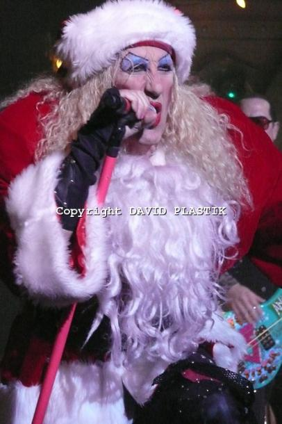 twisted-sister-live-twisted-christmas-photo--_11