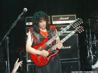 photo-eddie-ojeda-fingers-guitarist-twisted-sister-_30