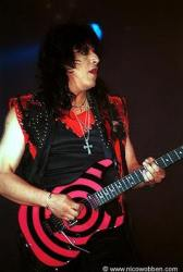 photo-eddie-ojeda-fingers-guitarist-twisted-sister-_35