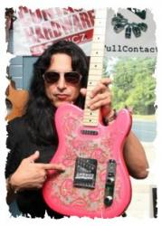 photo-eddie-ojeda-fingers-guitarist-twisted-sister-_3