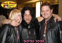 photo-eddie-ojeda-fingers-guitarist-twisted-sister-_49