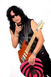 photo-eddie-ojeda-fingers-guitarist-twisted-sister-_54