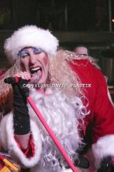 twisted-sister-live-twisted-christmas-photo--_3