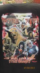 Twisted-Sister-photo-futbolki-znaki-atributika