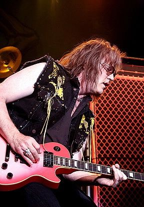 photo-jay-jay-french-guitarist-twisted-sister-_15